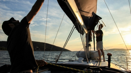 Setting up sails...